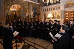 Την συναυλία άνοιξε ο  Βυζαντινός Χορός «Άγιος Πέτρος Επίσκοπος Άργους», ο οποίος παρουσίασε υπέροχα το μουσικό του πρόγραμμα.