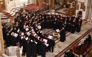 Την  αγγελική μουσική πανδαισία ολοκλήρωσε η παρουσία και των τριών χορωδιών, υπό την χοραρχία του Άρχοντος  Υμνωδού της Αγίας  Μεγάλης του Χριστού Εκκλησίας, κ. Γεωργίου Χατζηχρόνογλου.